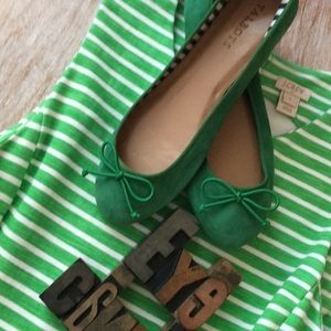 TALBOTS Kelly Green Suede Ballet Flats with Bow